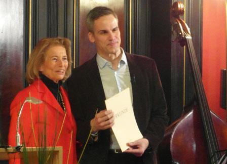 © massow-picture  Kulturdezernentin Rose-Lore Scholz verleiht Stephan Thome den George-Konell-Preis 2015.