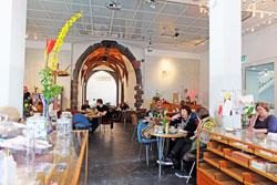 © massow-picture Künstler-Café im Haus des traditionsreichen Frankfurter Kunstvereins