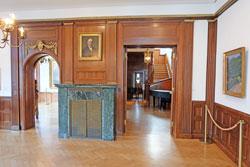 im holzgetäfelten Erdgeschoss des Gierschmuseums der Goeth-Uni Frankfurt finden vielfältige museumspädagogische Veranstaltungen statt bis hin zu Firmen-Events