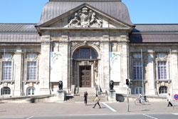 Eines der letzten und gewiss das schönste Universalmuseum Deutschlands ist das Hessische Landesmuseum in Darmstadt. Ein Besuch lohnt sich.
