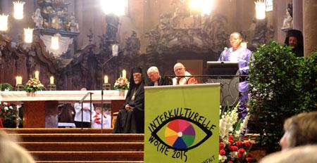 Ökumensischer Auftaktsgottesdienst  anlässlich der 40. Interkulturellen Woche und bundesweiten Aktion im Hohen Dom St. Martin zu Mainz . © massow-picture