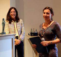 Die Laudatio hielt die FAZ-Literaturkritikerin Felicitas von Lovenberg (li. im Bild). Foto © massow-picture