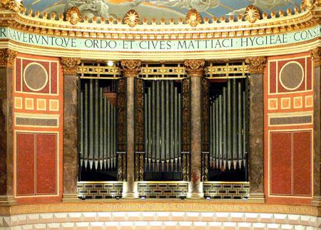 Orgelprospekt im Friedrich-von-Thiersch-Saal des Wiesbadener Kurhauses © Friedhelm-Gerecke Förderverein Kurhausorgel e.V.