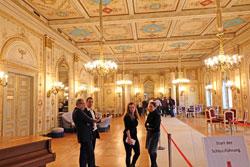 Alle zwei Stunden wurde eine Führung durch das Stadtschloss, dem Alten Landtag angeboten. © massow-picture
