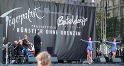 Internationale Tigerpalast Revue. Weltstars des Varietés live mit Varieté Orchester. © massow-picture