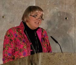 """Claudia Roth, Vizepräsidentin des Deutschen Bundestages . """"Solidarität ist überhaupt nicht altmodisch,  ist überhaupt nicht out, sondern Solidarität ist mega-in """" © massow-picture"""