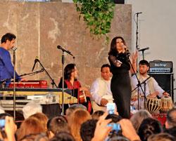 Die Musik Afghanistans, Freshta Sama, Gesang, Ustad Ghumlam Hussain, Robab, Nirweis Neda, Tabla, Nahid Wassey, Tabla, Kawa Shamet, Harmonia. © massow-picture