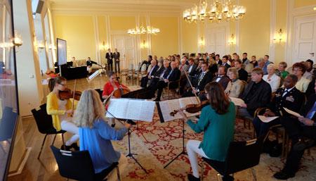 Das Preisträgerkonzert findet am 26. Februar 2016 im Festsaal des Wiesbadener Rathauses statt. Bild zeigt musizierende Jugendliche der Wiesbadener Musik- und Kunstschule bei der Beck-Preisverleihung 2015 © massow-picture