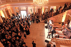 Die Olympioniken, Goldjungs und Goldfrauen präsentieren sich in Hochform ihren Fans, bevor dann die Party richtig losgeht Foto © massow-picture