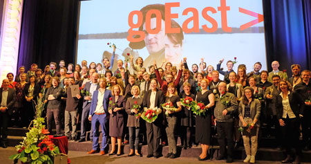 Alle Gewinner und Gewinnerinnen, Juroren, Prominente, Festivalmacher und Mitarbeiter von  goEast-2016 auf der Caligari Filmbühne in Wiesbaden am 26. April 2016. Diether v. Goddenthow ©