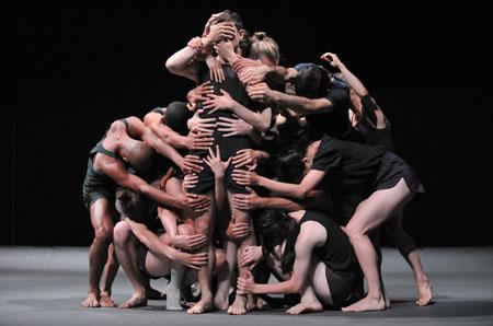 Last Work. Choreographie von Ohad Naharin. Foto Gadi Dagon, © Hessisches Staatstheater Wiesbaden
