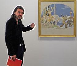 Roman Zieglgänsberger, einer der drei Kuratoren, erläutert anhand einer Fresken-Skizze Fritz  Erlers Verbindung zu Wiesbaden. © massow-picture