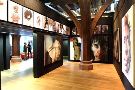 Sebastian Krüger im Caricatura Museum Frankfurt – Museum für Komische Kunst Foto: © massow-picture
