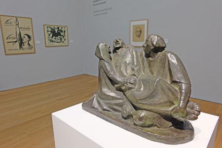 Ernst Barlach Gruppe aus drei Figuren Der Tod, 1925 Museum Wiesbaden Foto: © massow-picture