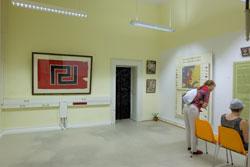Ausstellungsraum im 4. Bereich: Die Wiederkehr der Vergangenheit. © massow-picture