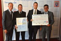 """Von  links: Staatsminister Axel Wintermeyer, Knut John, Klaus-Peter Keil und Alexander Noll vom Konzept """"tegut…Lädchen"""".  © Hessische Staatskanzlei"""