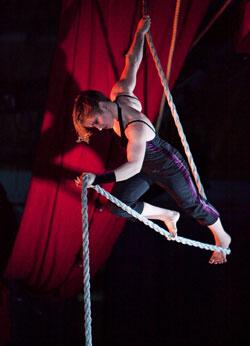 Cirque Bouffon  Linda Sander ©  D, Sakhin