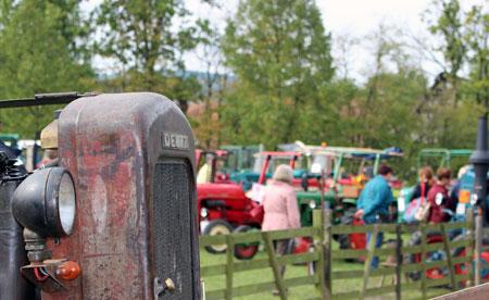 Beim Treckertreff können Besucher die Technik der alten Landmaschinen bestaunen. Foto: Eva Otto