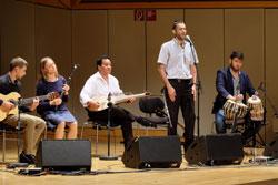Musikalische Eröffnung mit Bridges - Musik verbindet des Ensemble Hope, welches in unterschiedlicher Formation musikalisch durch die Dankeschönfeier führte. © massow-picture