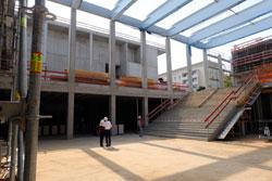 Der spätere Haupteingangs- und Foyerbereich zwischen Congress- und Messehalle.© massow-picture