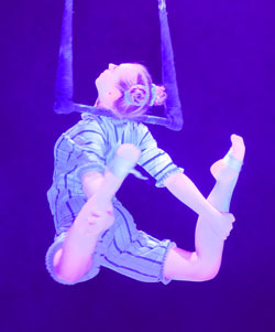 Andrea Matousek holte den Preis der Circus-, Varieté- und Artistenfreunde Schweiz. Foto: Diether v. Goddenthow © atelier-goddenthow