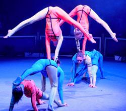 Die russische Akrobatikgruppe Grazie  erhielt den Preis der Wiesbadener Kirchen.Foto: Diether v. Goddenthow © atelier-goddenthow