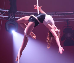 Emma Laule (Vertikalseil) holte Silber und den Preis des Tigerpalastes Frankfurt.Foto: Diether v. Goddenthow © atelier-goddenthow