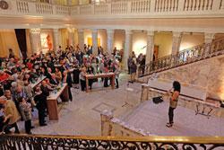 Saxofonistin -Angela Puxi sorgte mit sanften Jazzklängen gekonnt für angenehme musikalische Emotionen. Foto: Diether v. Goddenthow