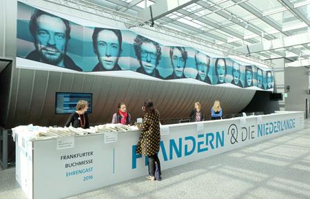 Eingang zum Ehrengast-Pavillon Flandern & Niederlande auf der 68. Frankfurter Buchmesse. Foto: Diether v. Goddenthow © atelier-goddenthow
