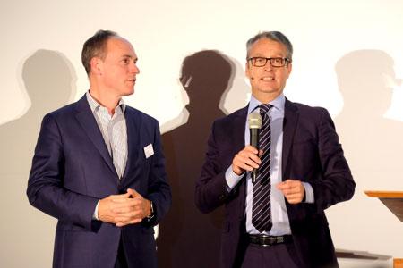 Autor Christoph Keese neben Laudator   Gabor Steingart, Herausgeber des Handelsblatts. Foto: Diether v. Goddenthow © atelier-goddenthow