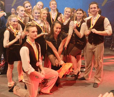 Die Sakiai-Gruppe aus Litauen holte mit ihrer Sprungseildarbietung den Sonderpreis der Jury.  Foto: Diether v. Goddenthow © atelier-goddenthow