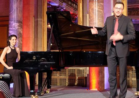 Tamar Halperin (Klavier) und Andreas Scholl (Countertenor) geben Kostproben ihres Könnens.  Foto: Diether v. Goddenthow © atelier-goddenthow