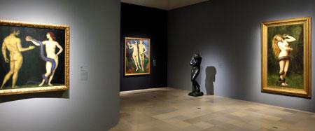 """Ausstellungsansicht """"Geschlechterkampf. Franz von Stuck bis Frida Kahlo"""" Foto: Diether v. Goddenthow"""