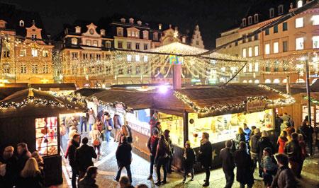 Mainzer Weihnachtsmarkt.Foto: Diether v Goddenthow