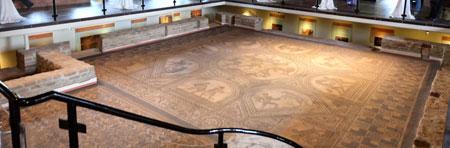 Mosaik in Römerhalle. Bad Kreuznach. Foto: Diether v. Goddenthow © atelier-goddenthow