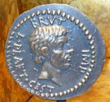 """Vorderseite der """"Brutus-Aureus"""" . Foto: Diether v. Goddenthow"""