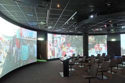 Das 360-Grad-Kino bildet das multimedial ausgestattete Zentrum des neuen Geldmuseums der Deutschen Bundesbank.  Foto: Diether v. Goddenthow