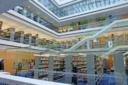 Die Bibliothek des neuen Geldmuseums liegt mit den beiden Seminarräumen im 1. OG. Foto: Diether v. Goddenthow
