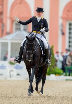 Weihegold OLD – über den Louisdor-Preis zur Siegerin beim Wiesbadener PfingstTurnier  und zu olympischem Gold! Foto: Sportfotos-Lafrentz.de