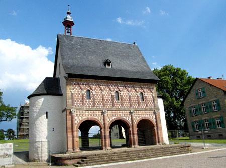 UNESCO Welterbe Kloster Lorsch Foto: Diether v. Goddenthow © atelier goddenthow