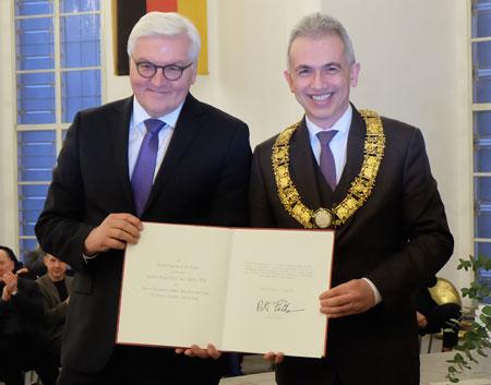 Bundesaußenminister Frank-Walter Steinmeier zusammen mit Oberbürgermeister Peter Feldmann, Foto: Diether v. Goddenthow  © atelier goddenthow
