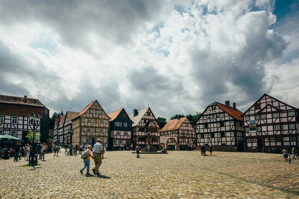 In der Museumssaison 2017 gibt es viele Anlässe für einen Ausflug in den Hessenpark. Foto: Christian Gahmann