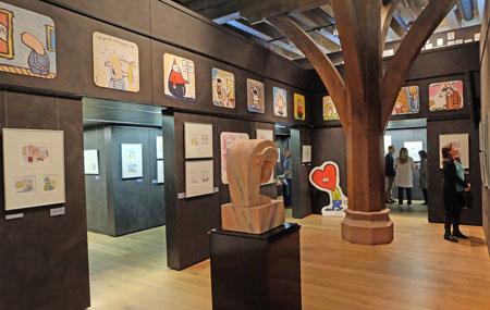 Ausstellungsansicht ARI PLIKAT Ausstellung vom 23. März 2017 - 23. Juli 2017 im Caricatura Museum Frankfurt – Museum für Komische Kunst. Foto: © Diether v. Goddenthow
