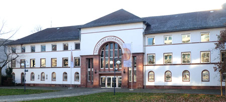 Deutsches Ledermuseum Offenbach feiert 100jähriges Jubiläum. Foto: Diether v. Goddenthow