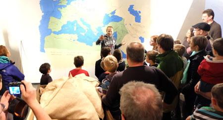 Mario Becker ist einer der besten Redner und reißt die Menschen mit. Foto: Diether v. Goddenthow