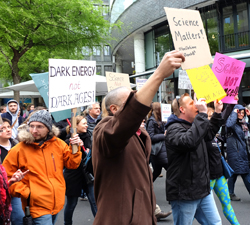 Demo-Impressionen des March for Science Frankfurt. Foto: Diether v. Goddenthow