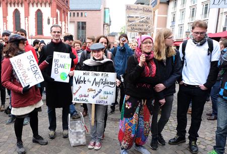 Demo-Impressionen beim March for Science. Alle können bei den Skeptikern mitmachen.Foto: Diether v. Goddenthow