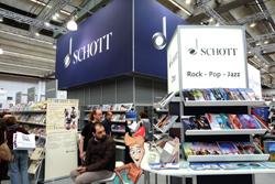 Große Musikbuchverlage wie Schott in Halle 8.0 Foto: Diether v. Goddenthow