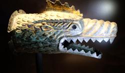 Römischer Drachenkopf der römischen Reiterstandarte aus dem Kastell Niederbieber.Foto:. Diether v. Goddenthow