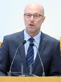 Dr. Stefan Korbach, Mitglied des Vorstandes der SV-Sparkassenversicherung mit Sitz in Wiesbaden Foto:. D. v. Goddenthow © atelier-goddenthow